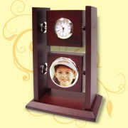 Archies Wooden Table Clock with Photoframe