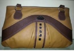 Looks DND Ladies Leather Handbag