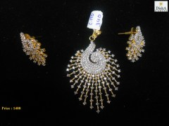 Disha Diamonds 340 Peacock Golden Sparkling Pendant With Earrings