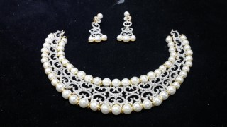 Disha Diamonds 450 Round Pearl And Diamond Necklace