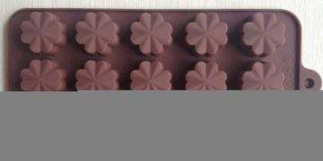 CakesYes  Chocolate Candy Jelly Muffin Cake Baking  Mould – Clover Flower Shape