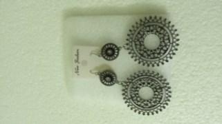 Fashionable Black-Metal-Long-Earrings-J005